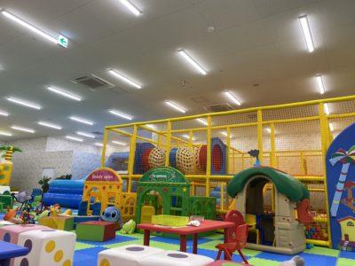 室内巨大遊園地